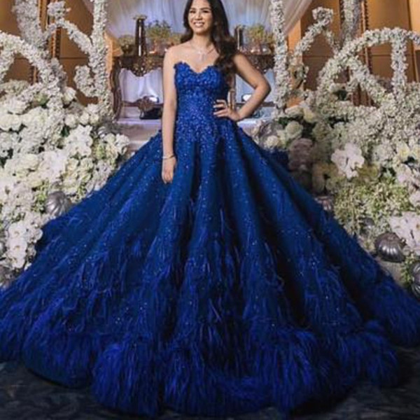 Gorgeous Royal Blue Evening Dress Luxury Dubai Feathered Lace Ball Gown Celebrity Evening Dresses Stunning Saudi Arabia Red Carpet Dresses