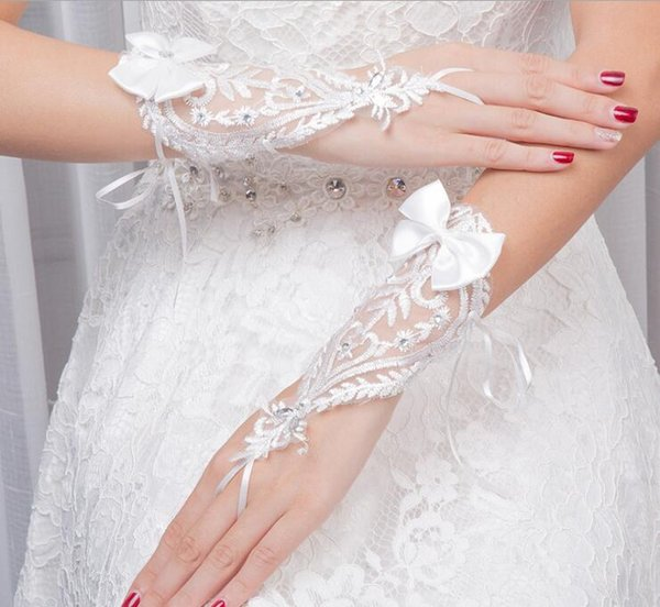 Short Lace Bride Bridal Gloves Wedding Gloves Beaded Crystals Wedding Accessories Lace Gloves for Brides Fingerless Below Elbow Length