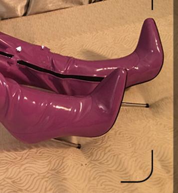 Púrpura brillante
