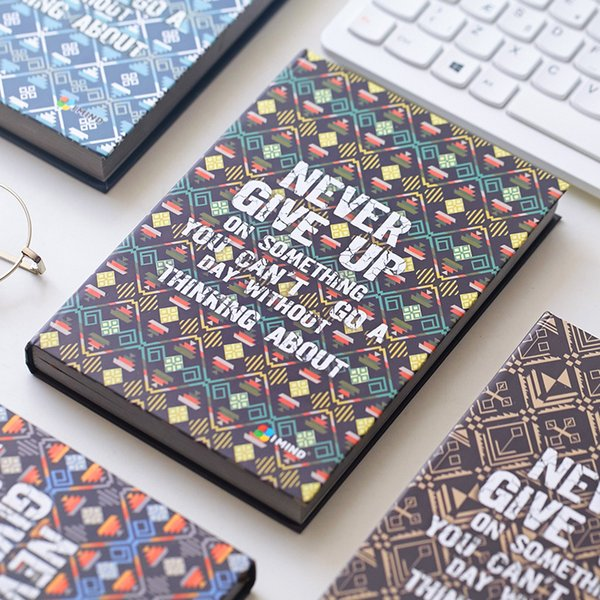 """Never Give Up"" Hard Cover Vintage Retro Art Diary Freenote Beautiful Notebook Journal Office Supply Stationery Gift"