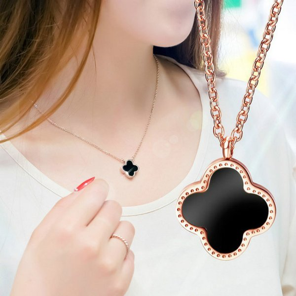 2018 New Fashion Rose Gold Titanium Steel 14K Gold Four-leaf Clover Necklace Positive and Negative Two-color Long Pendant Necklace