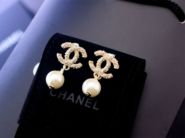 Factory Sell High Quality Luxury Pearl diamond Stud Earrings Fashion metal Letter Star Moon earrings With Box