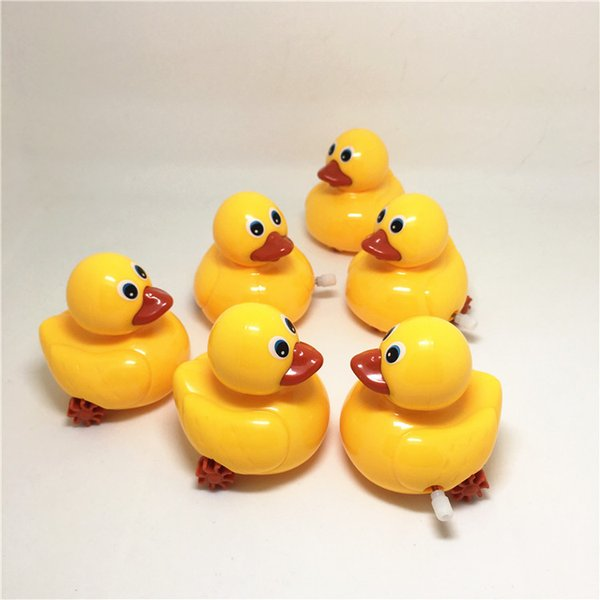 Hot toys, clockwork toys, wholesale stalls, goods, babies, wisdom, chain, cartoon, little yellow duck gifts.