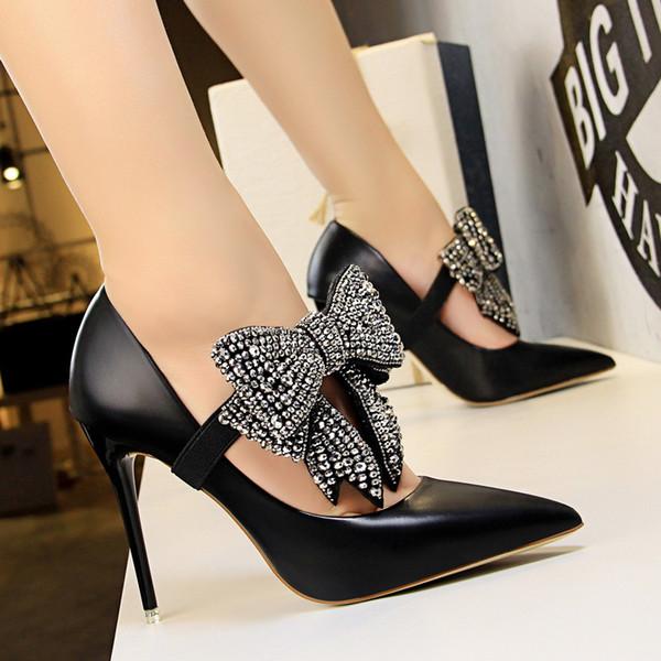 Elegante 2018 Neue Name Marke Spitz Schwarz Leder Oberen Frauen High Heels Schuhe Slip On Abnehmbare Diamant Schmetterling-knoten Pumpe
