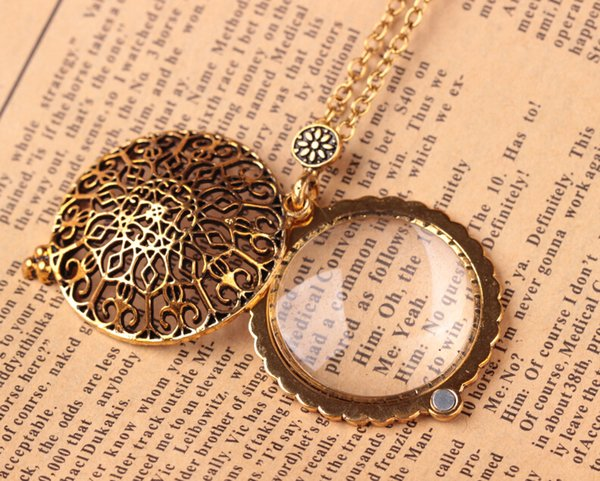 Hollow Pattern Circle Glass Cabochon Domed Magnifying Glass Necklace Unisex Magnifier Pendant Antique Gold Alloy Jewelry D551S
