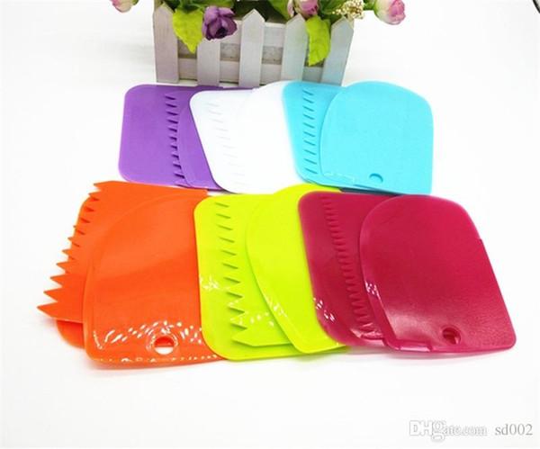 Starkes hängendes Löschenmesser Eco freundliches Plastikbacken-Werkzeug Praktischer Sahneschaber für Küchen-Kuchen machen Qualität 1jy ZZ