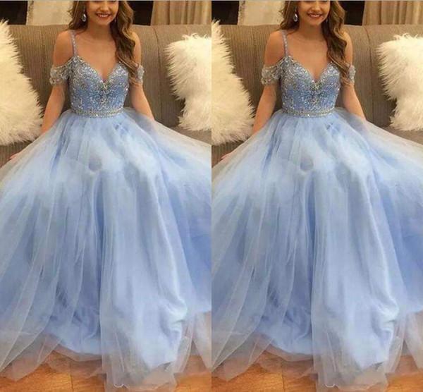 2018 Sky Blue Perlen Kristall Ballkleid Quinceanera Kleider Sexy Tüll V-Ausschnitt Kurzarm Wunderschöne Abendkleider Prom Kleider