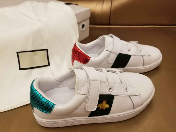 2018 kids fashion New Bee Embroidered Low-top buffed Leather Trainers sneakers with buckle strap boys girls childrens size euro 28-35