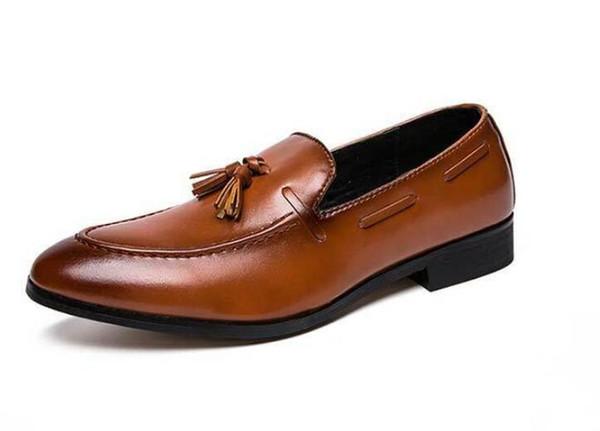 Püsküller Ile resmi Satmak Mens Loafers Resmi Ayakkabı Mens İtalyan Loafer'lar Elbise Loafer'lar Erkekler Lüks Düğün Erkek Ayakkabı Ofis Flats Kırmızı 1h30
