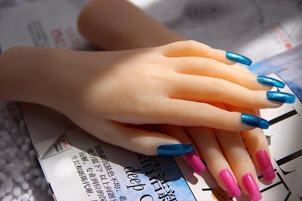 Frete grátis! Moda Silicone Mãos Femininas, Boneca Sexual Pele Real, Realista Manequim Mãos, Anel de Exibição, Sexy Mãos de Mulher