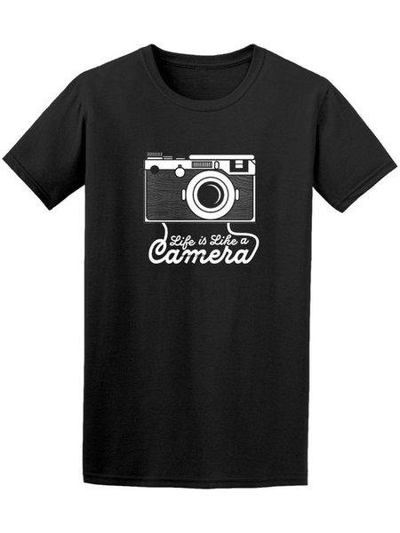Das Leben ist wie eine Kamera von Hand gezeichnetes Entwurfs-T-Stück Druck-T-Shirt Sommer-Kurzschluss-Männer T-Shirt 2018 Neuestes Buchstabe-Spitzen-T-Stück