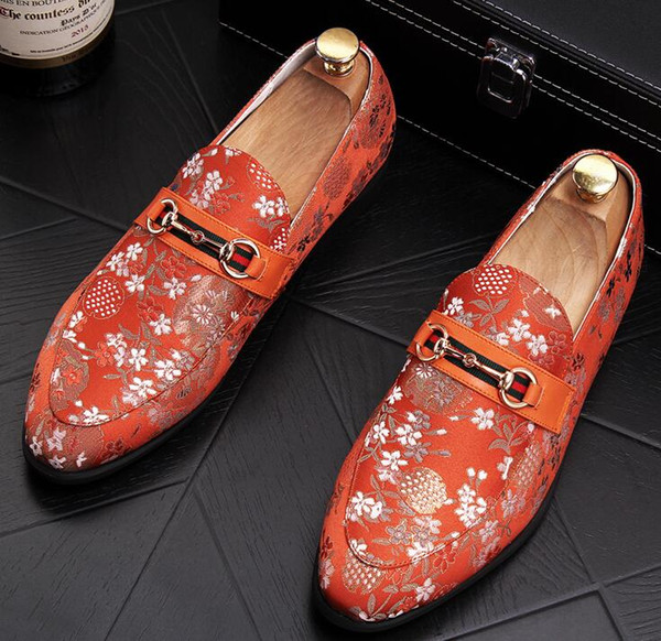2018 Trendy New Designer Men vintage flower flats Shoes Loafer Male Party Dress wedding moccasins platform Gommino shoes