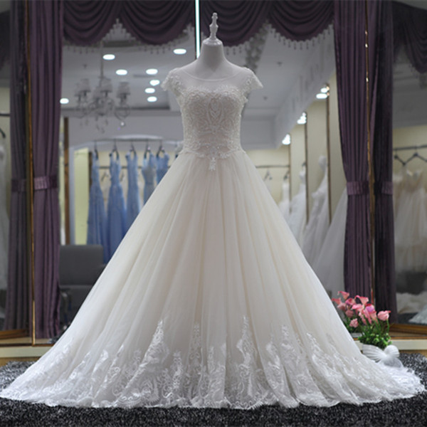 best selling Beaded Scoop Neck Tulle Ball Gown Wedding Dress with Short Sleeves 2019 Court Train Wedding Gowns High Quality Personalized Bridal Gowns