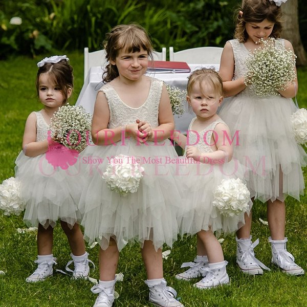 2019 Cute Ivory Lace Appliques Flower Girls Dresses Tulle Short Mini First Commuion Dresses Custom Made Hot Sale For Wedding Beach Garden