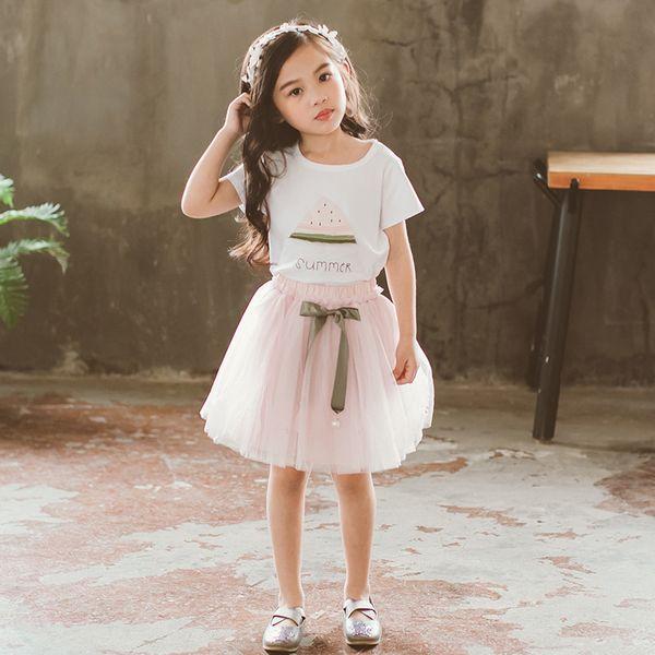 Çocuk takım elbise çocuk baskı ve kısa kollu ile ağ iplik etekler Yaz moda ve kızlar için pamuklu kumaş yumuşak takım elbise ile sevimli
