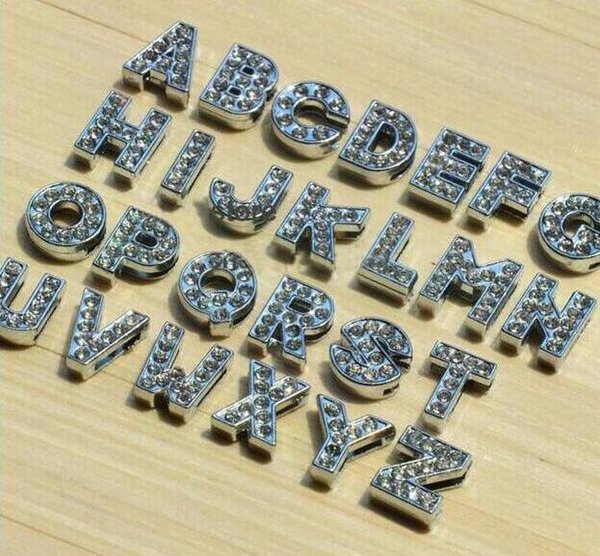 Envío expreso 1300 unids Inglés Alfabeto Rhinestone 10mm A-Z Slide Encantos Cartas Accesorios de BRICOLAJE Fit 10mm Wristband Keychain collar para mascotas