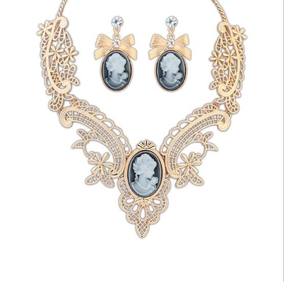 Retro Vintage European Royal Court Beauty Crystal DecoratIve Necklace Hook Earrings fit Blouse Vest Sweater Garment for Female Lady Girls