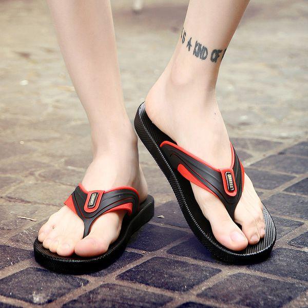 Venta al por mayor 2018 Zapatillas de hombre para hombre Zapatillas de chanclas de plástico para hombre Sandalias de playa casual Zapatos antideslizantes Zapatillas de interior