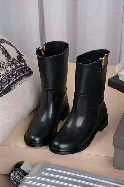 Klasik Stil Kız Ayak Bileği Çizmeler Tasarımcı Sonbahar Kış Yuvarlak Ayak Siyah Hakiki Deri Slip-on Düşük Topuk Kadın Motosiklet Kısa Çizmeler Ayakkabı