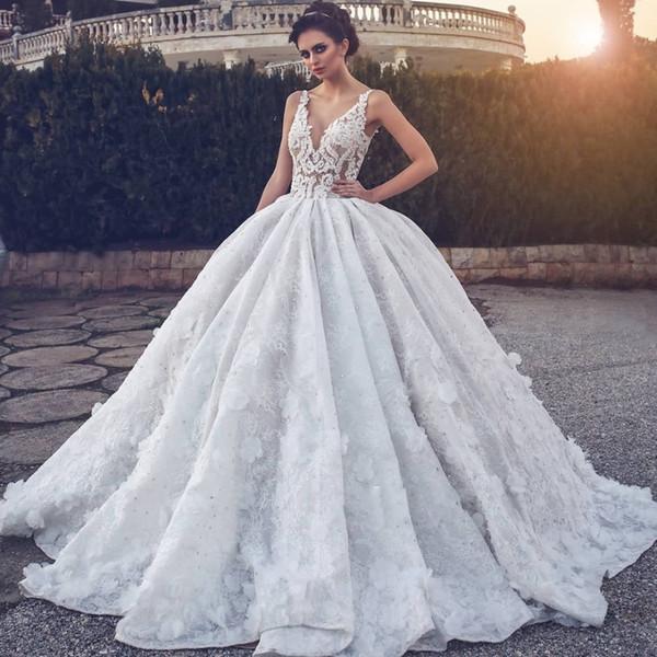 Robes de mariée en dentelle élégante robe de bal v cou fines sangles illusion corsage fleurs perlage robes de mariée longueur de plancher robes de mariée