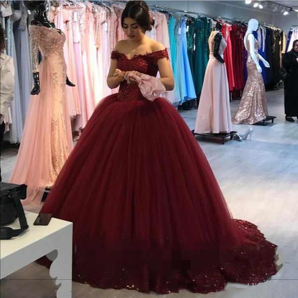 cacfa0820a7 2018 de luxo fora do ombro quinceanera vestidos vestido de baile mangas  tampadas princesa querida 16