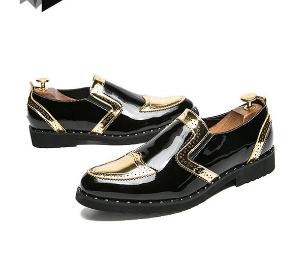 2018 New Style black patent leather men loafers gold luxurious embroidery Fashion party and wedding men's dress shoes J145