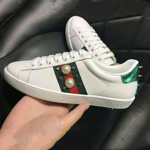 luxe New de haute qualité en cuir de luxe véritable marque Flats designer baskets classiques hommes et femmes ongles en métal mouvement de mode casual chaussures