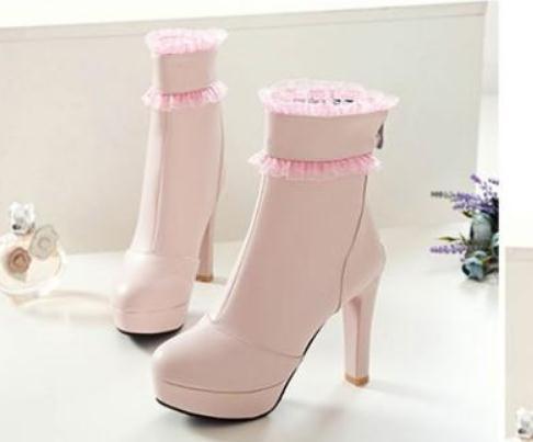 Free send 2018 autumn and winter waterproof table Martin boots high heels Coarse heel short boots women