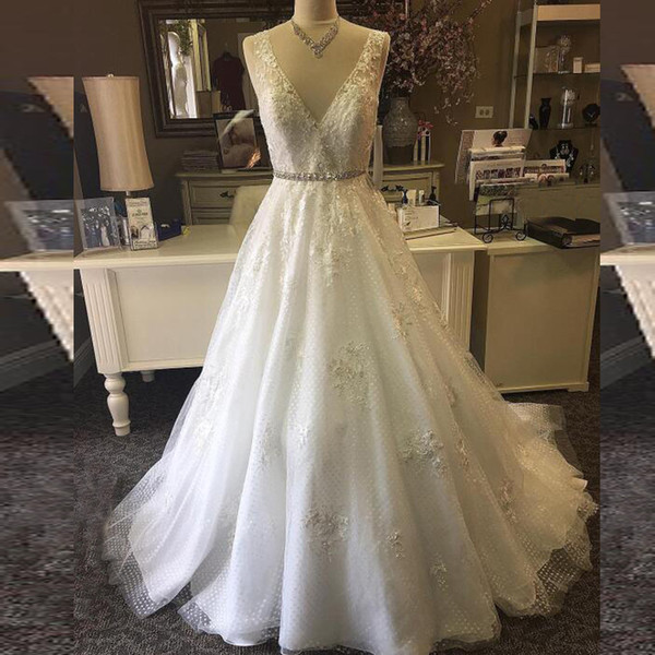 2018 Newest A-line V Neck Wedding Dress Sexy Backless Lace Appliques Bridal Gowns Beaded Lace Appliques Crystals Belt Bride Wear with Train