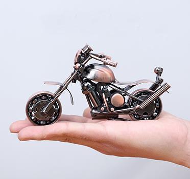 Железные металлические модели мотоциклов, книжные полки, винные шкафы, украшения, украшения, творческие дома, гостиные, ремесла, мебель.