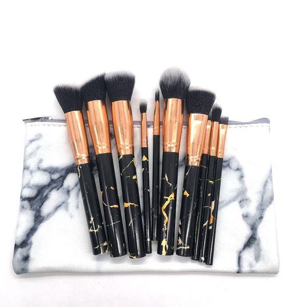 Fermuarlı kozmetik çantası ile siyah