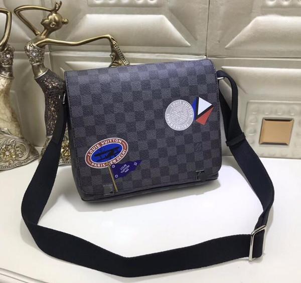 hot sale 2018 Men cross body bag DISTRICT PM Classic fashion Brand designer bags shoulder bags casual shoulder slanting travel bag 004