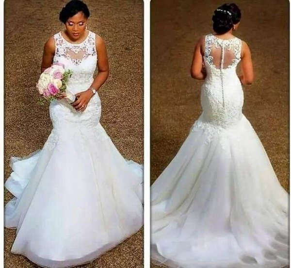 top popular Latest Jewel Neck Lace Wedding Dresses Sleeveless Applique Lace Sweep Train Tulle Mermaid Bridal Wedding Gowns 2019