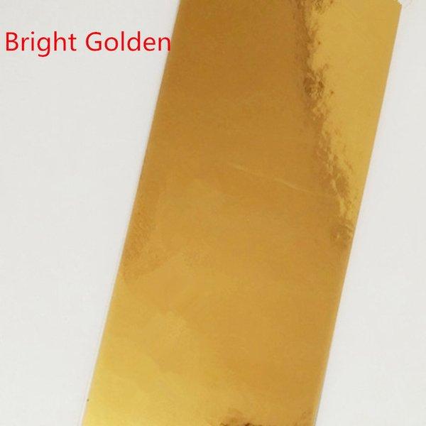 Cor: dourado brilhante