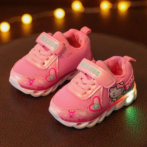 2018 Enfants Chaussures Filles Led Chaussures Cartoon Kitty Enfants Sneakers Avec La Lumière Led Émettant Allume Des Chaussures Casual
