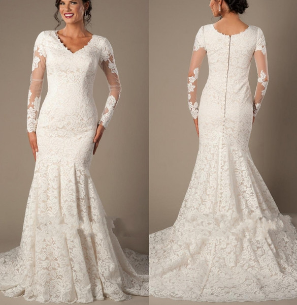 Vintage Champagne Lace Mermaid Modest Wedding Dresses With Long Sleeves V Neck Buttons Back Court Train Simple Outdoor Bridal Gowns New