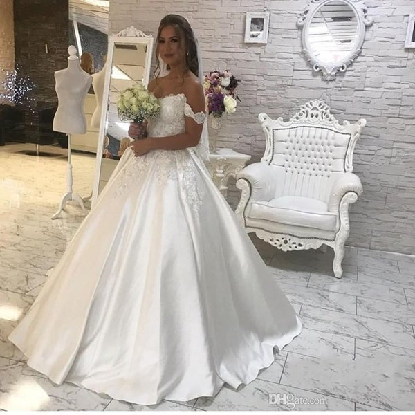 2019 A Line Princess Off The Shoulder Wedding Dresses Lace Up Lace Appliques Sweep Train Chuch Style Bridal Gown Custom Made Hot Sale