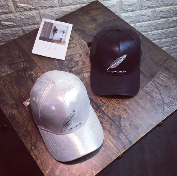 Baseball caps fall and winter weather men and women bright velvet embroidered feather patterns duck caps casual masque sun hat hip-hop hats