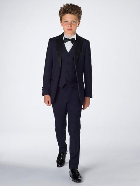 Custom Made Menino Smoking Notch Lapela Dois Botão Formal Crianças Roupas Para Festa de Casamento 5 Pcs (Jacket + Pants + Bow + Vest + Camisas)