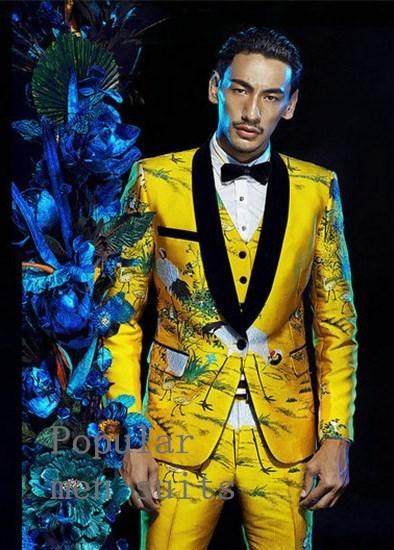 2018 Nova Chegada Custom Made Amarelo Jacqurado Noivo Smoking Ternos de Casamento Partido Prom 3 peças Ternos (jaqueta + calça + colete + gravata)