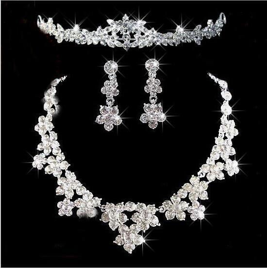 Sparkle Wedding Accessories Sets Beads Necklace and earrings Cheap Crown Bling Bridal Accessories Online 2019