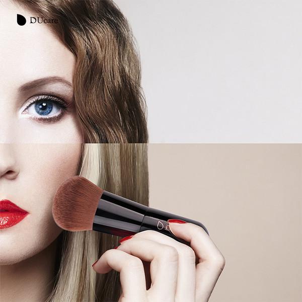 DUcare Kabuki Brush Soft Curved Bristles Power Brush Make up Brushes For Beauty Essential Tool