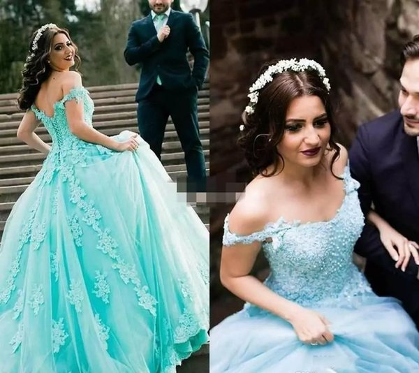2018 Mint Saudi-Arabien Quinceanera Kleid Prinzessin Puffy Spitze Applique Sweet 16 Ages lange Mädchen Prom Party Pageant Kleid Plus Size Custom Made