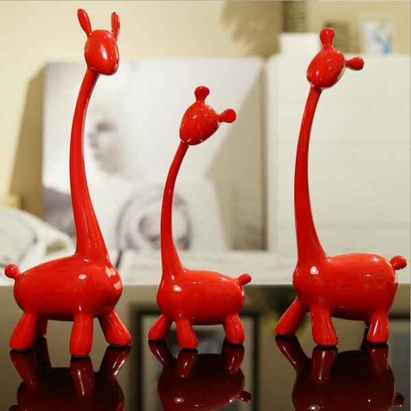 2019 Original European Animal Giraffe Creative Livingroom Table Decorate Home Decoration Resin Craft Art Giraffe Furnishings Ornaments Gift From Zons