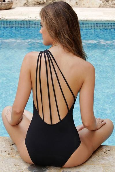 2017 New One Piece SwimSuit Beach Suit White Sexy Wome Solid Monokini Beach Bikini Brazilian Swimwear Black One Shoulder Trikini