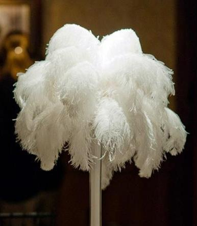 Free Shipping 12-14inch white Ostrich Feather plumes Wedding centerpiece feather Centerpieces decoraction wedding decor party decor z134