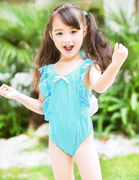 The children combination of hot style swimsuit cuhk and students tong hollow embroidery cake points one-piece swimsuit, a lovely girl