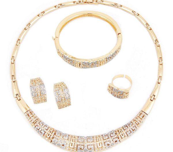 Sistemas de la joyería del oro de Dubai de la manera Pendientes del collar de cristal de lujo Pulsera del anillo Accesorios del banquete de boda