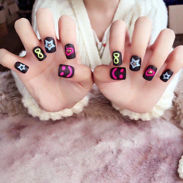 Sexy False Nails with Designs 24pcs Black Short Square Nail Tips Kawaii Grimace Pattern nails fake Full Cover