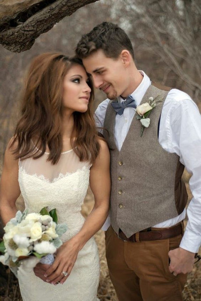 2018 Cheap Groom Wear Vests Farm Wedding England Style Vests Custom Made Slim Fit Mens Suit Vest Prom Wedding Waistcoat Plus Size
